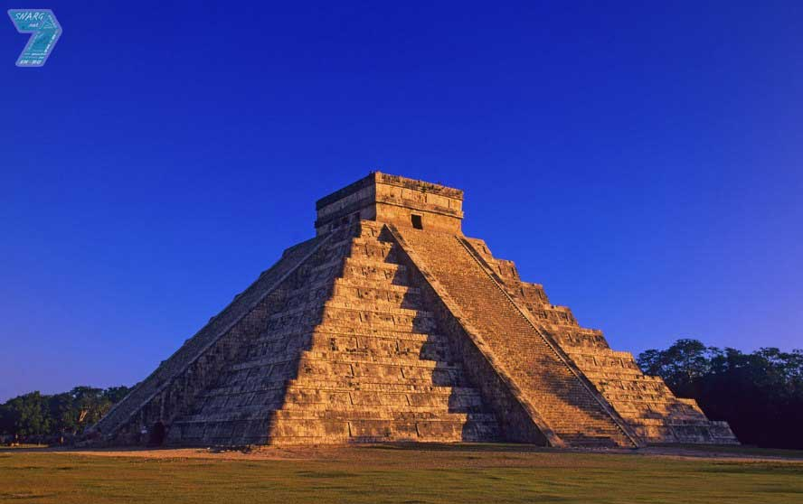 pyramid at chichen itza meksiko